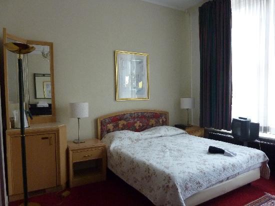 Hotel Verdi: Bed!