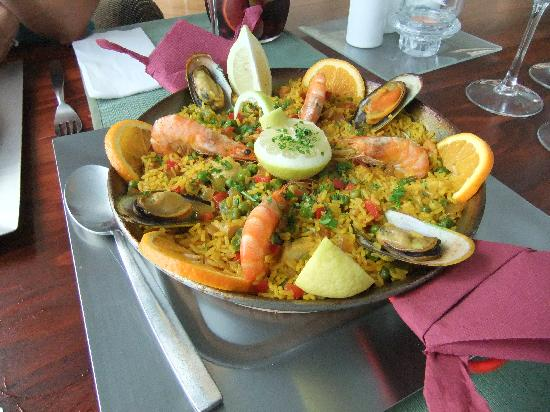 El Nautico Suites: our specially requested paella