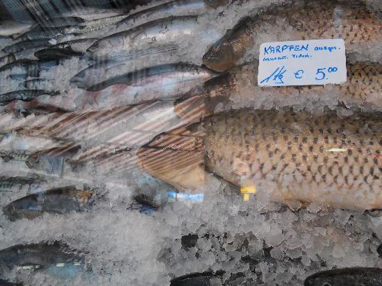 Vienna Naschmarkt: Fresh Fish