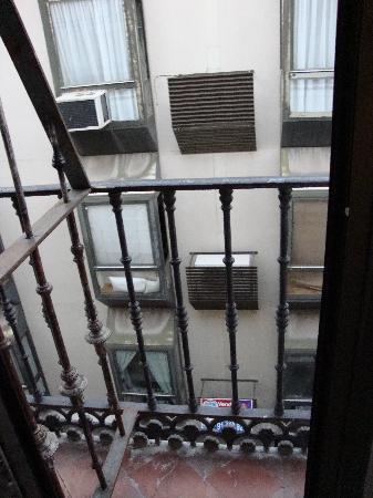 Dolce Vita: Balcony