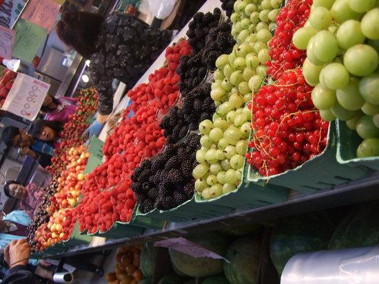 Granville Island : Fresh fruit