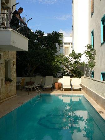 Hideaway Hotel: piscine