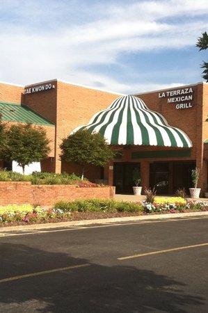 La Terraza Restaurant: Front