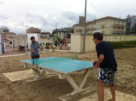 Hotel Savana: torneo pin-pong