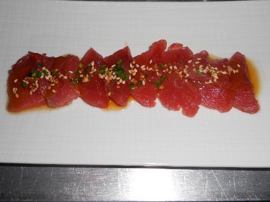 Con Gracia: Tuna Sashimi... sooo simple yet soooooo delicious