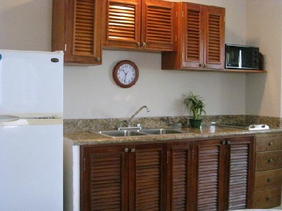 IslaMar Vacation Villas: Granite Topped Counters, Dishes, Pots & Pans!