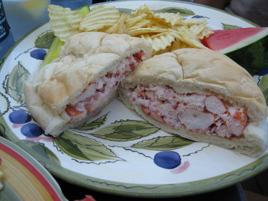 Rose Cove Cafe : Rose Cove Lobster Roll