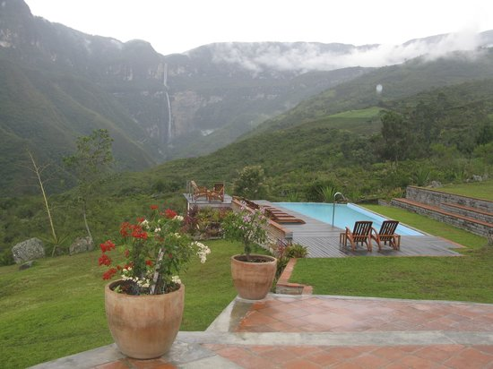 Gocta Andes Lodge: Gocta falls viewed from the terrace