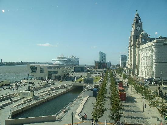 Museum of Liverpool : Stunning view of Pier Head from inside the museum.