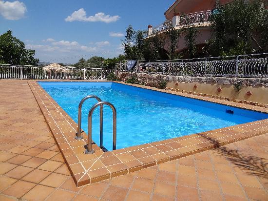 Villa Smeralda: Piscine