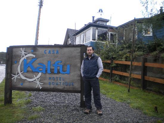 Entrada a casa Kalfu