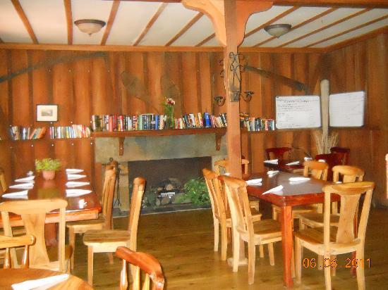 Volcan Lodge: Restaurante Mana - muy acogedor