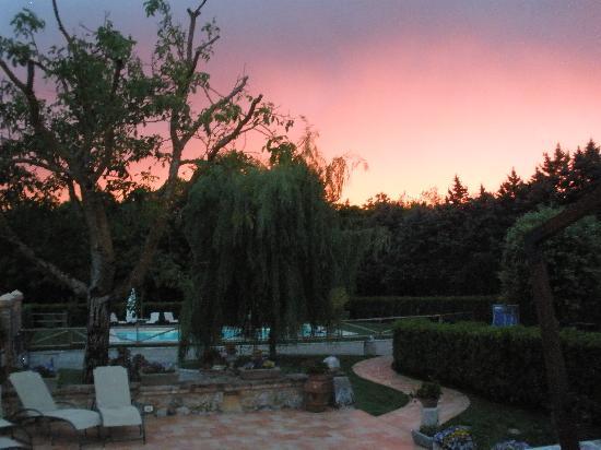 Borgo La Chiusa : The Villa at sunset