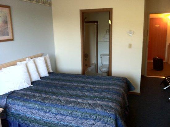 Cottonwood Inn & Suites