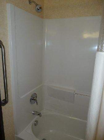 Days Inn Manitou Springs: Shower