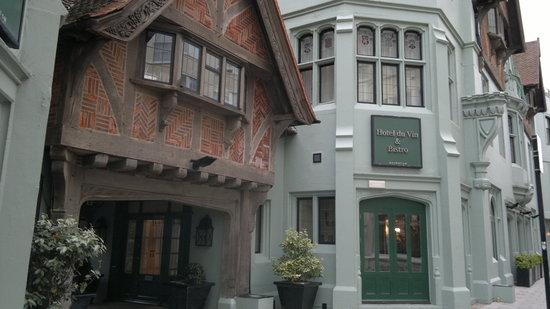 Bistro du Vin: Front of the restaurant