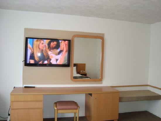 Airport Travelair Motor Inn: room