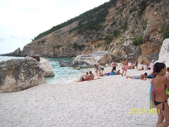 Cala Mariolu: un'altra lingua di spiaggia