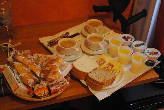 Al Centro Storico di Roma: Frühstück für 3 Personen