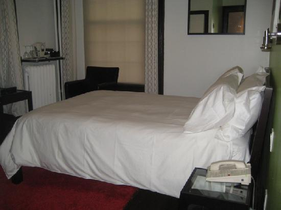 Swiss Hotel: bedroom