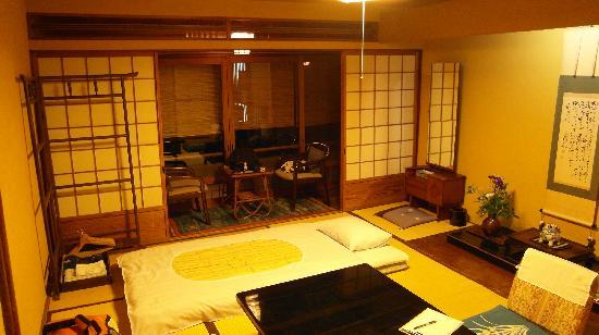 Kikokuso: Room with balcony