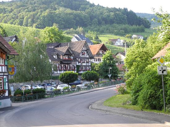 Rebstock Waldulm: In the middle of a small village
