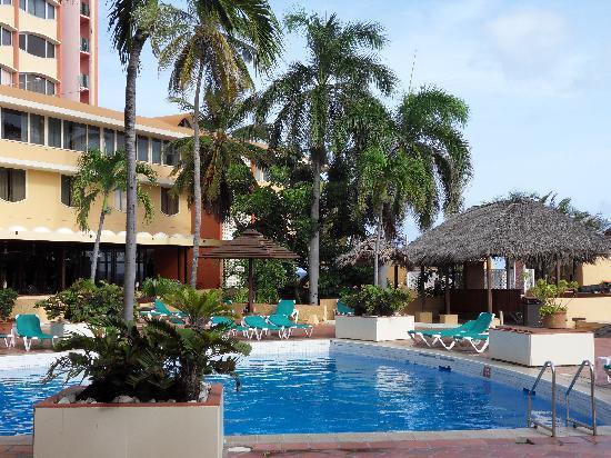 Plaza Hotel Curacao: hotel pool