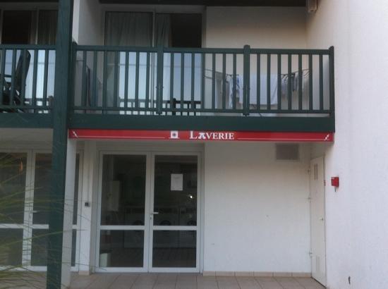 Pierre & Vacances Village Club Moliets : laverie du hameau