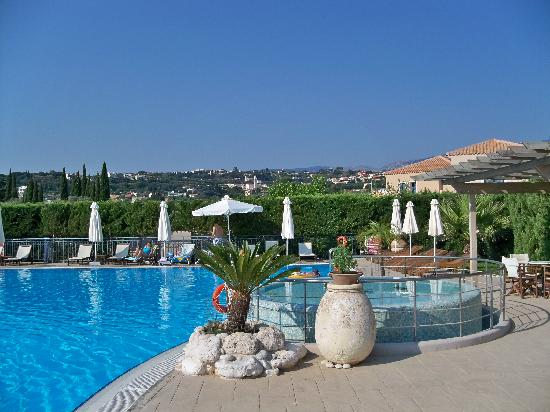 Avithos Resort: Pool