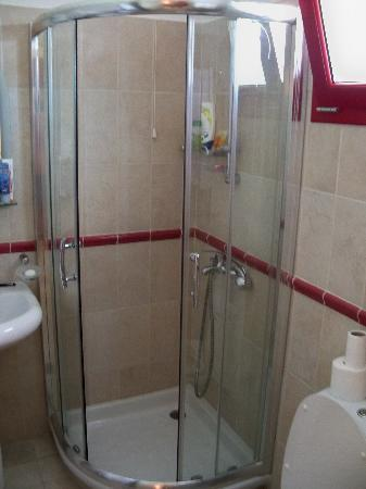 Avithos Resort: bathroom