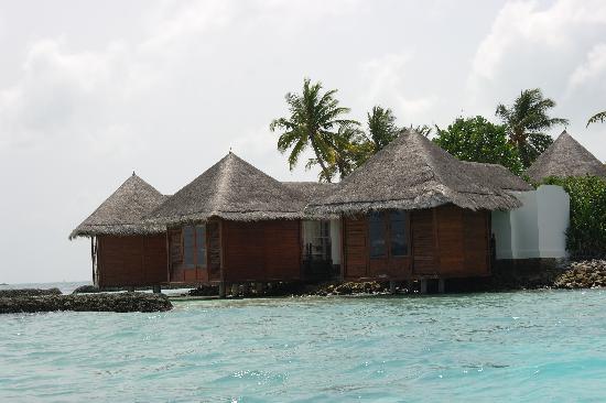 Four Seasons Resort Maldives at Kuda Huraa: Spa Island