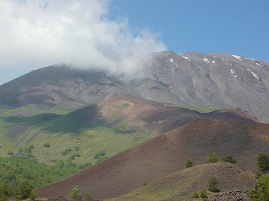 Continente Sicilia: north side of Etna