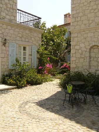 Incirliev Alacati: The entrance to the hotel