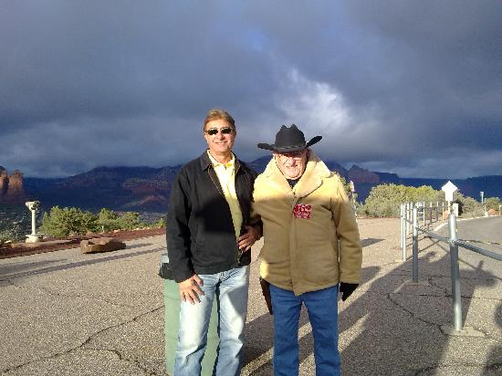 Hillside Sedona: With a volunteer guard near Sedona air port