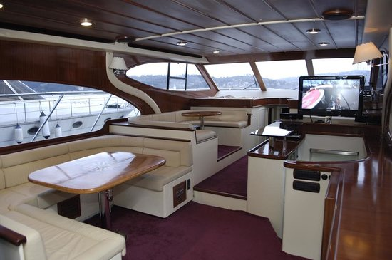 Private Tours in Istanbul: Private Luxury Boat on Bosphorus 16