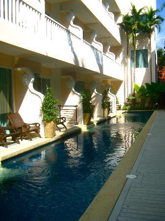 Baan Karonburi Resort: Private pool access