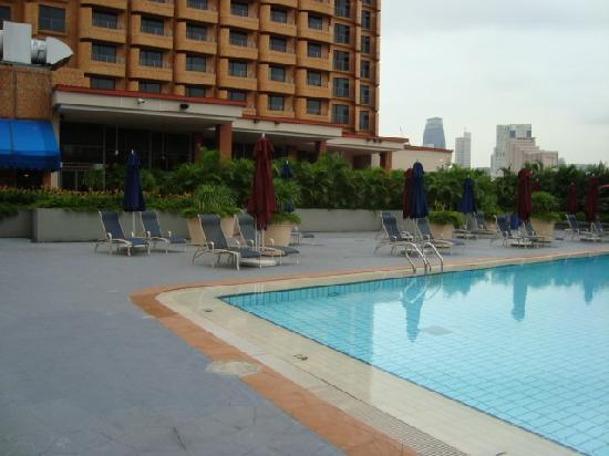 Hotel And Swimming Pool Picture Of Novotel Singapore Clarke Quay Singapore Tripadvisor