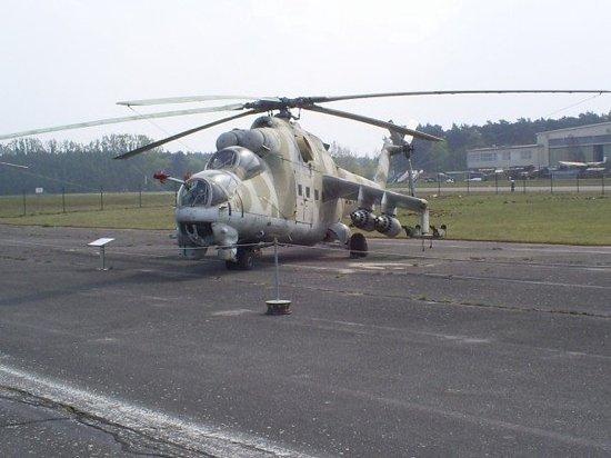 Berlin, Tyskland: East German soviet attack chopper