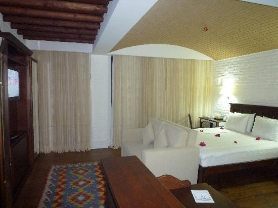 El Vino Hotel & Suites: 充分な広さの部屋