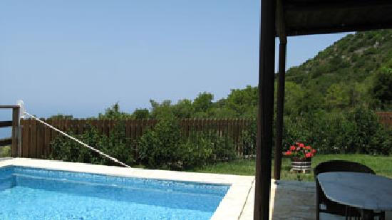 Amadryades Villas: Pool