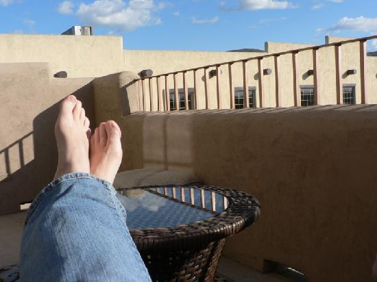 Inn at Desert Wind Winery: the balcony under blue skies