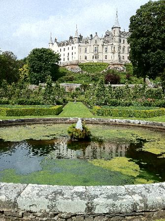 Dunrobin Castle and Gardens: dunrobin castle view