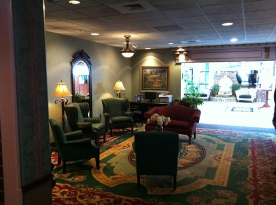 BEST WESTERN Genetti Hotel & Conference Center: lobby