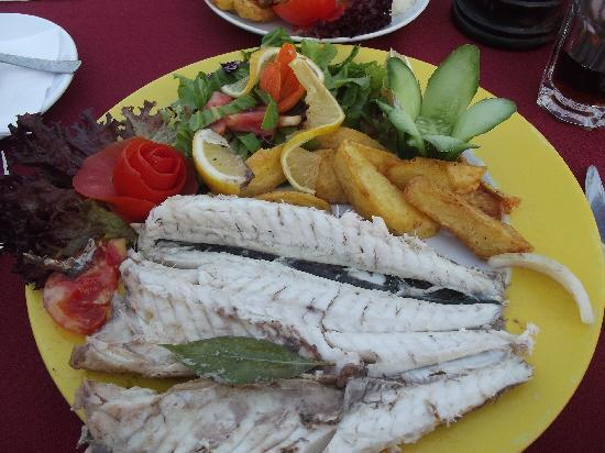 Sunset Restaurant: Fish was fantastic!