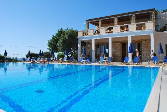 San Giorgio: Poolside Day