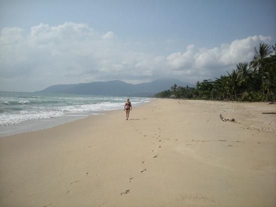 Talkoo Beach Resort, Khanom : We had the beach for ourselves!
