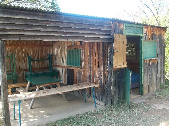 Fisherman's Camp : Banda from outside
