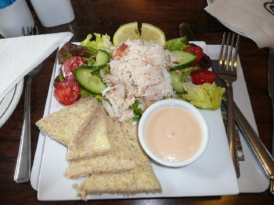 Magpie Cafe: Crab meat on salad