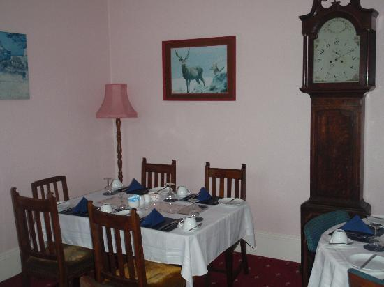 Craig Villa Guest House: Breakfast in the dining room (lovely)