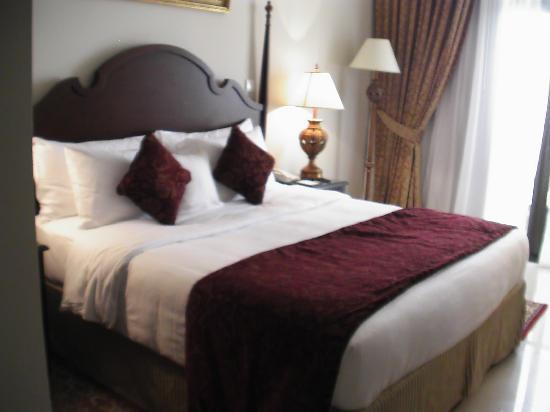 Gloria Hotel: Das Bett im Doppelzimmer
